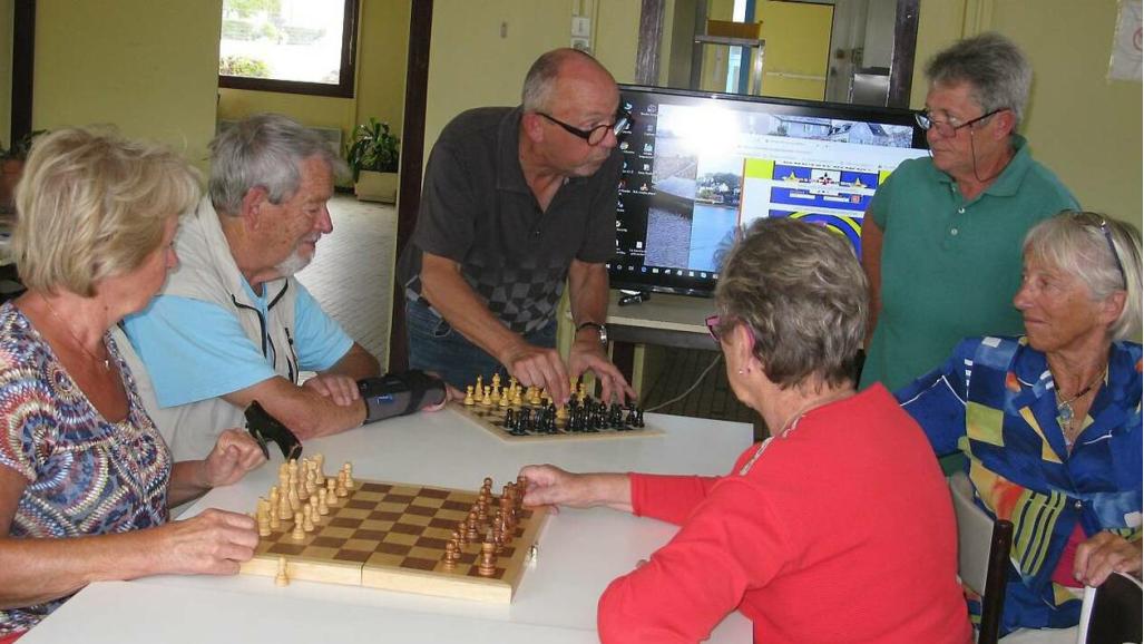 les échecs, une nouvelle activté aux Ateliers de Larmor